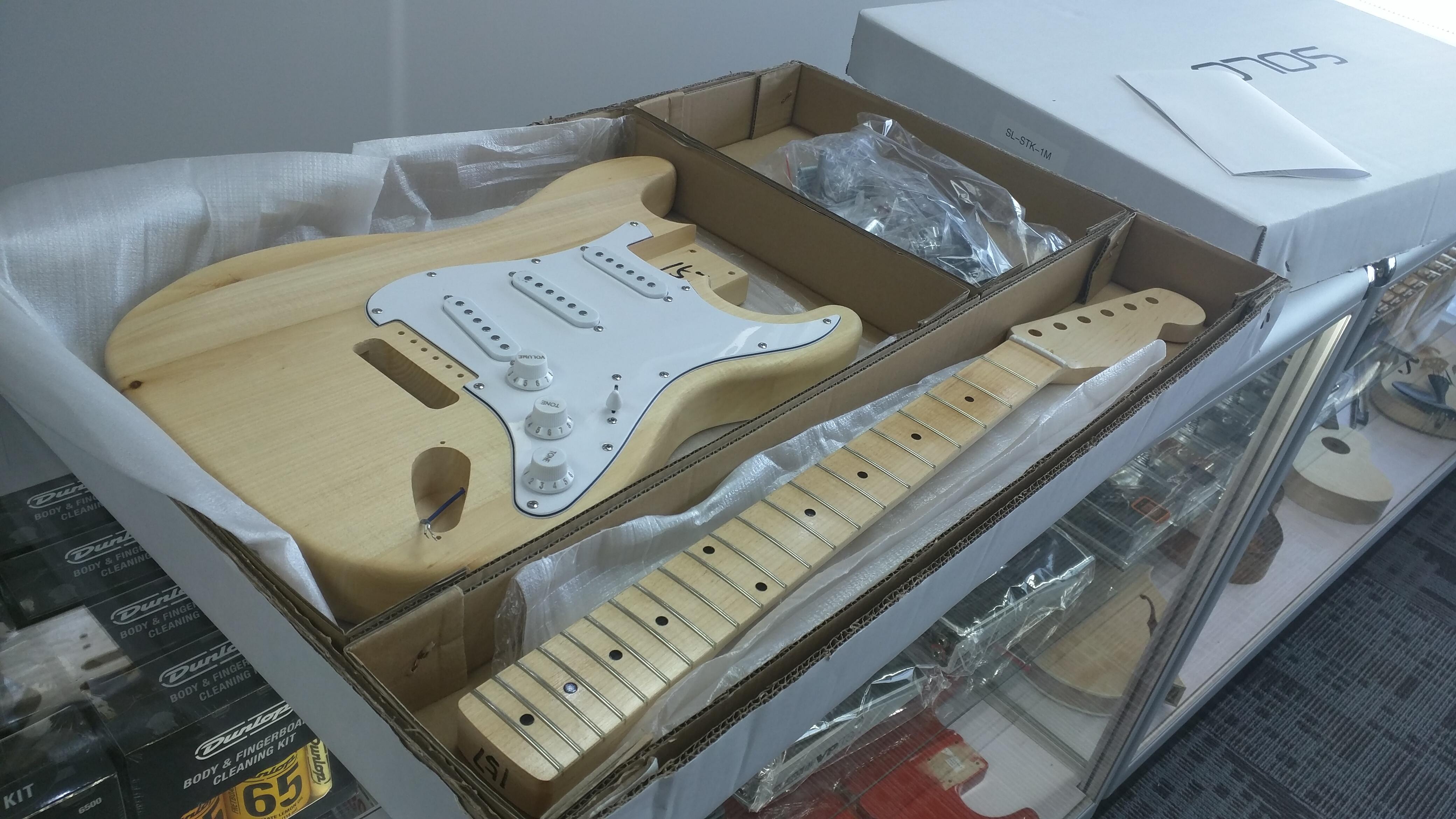 jonesy blue bertha my first partscaster electric guitar build brent jones. Black Bedroom Furniture Sets. Home Design Ideas
